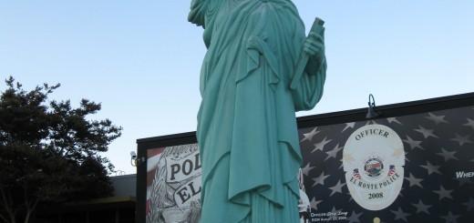 VP Wonders Statue